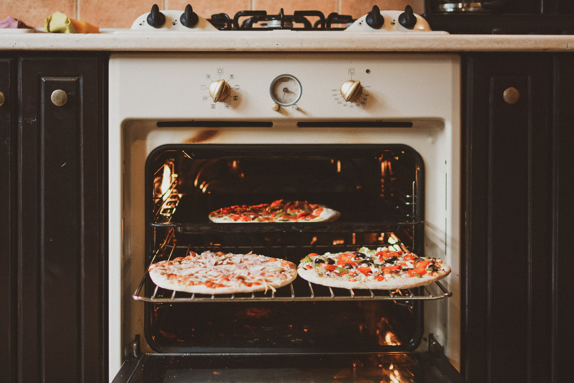 What You Need to Know Before Replacing Your Oven